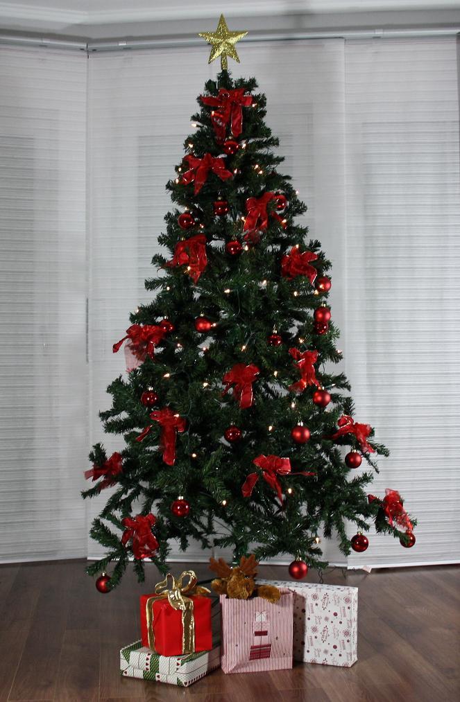 k nstlicher weihnachtsbaum tannenbaum weihnachten. Black Bedroom Furniture Sets. Home Design Ideas